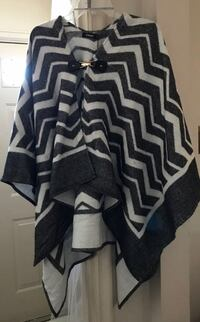 NWT BLACK AND WHITE PONCHO Dearborn, 48126