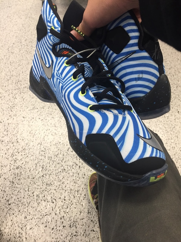 020cf4db6992 Used LeBron 13 Blue and White Striped for sale in Fullerton - letgo