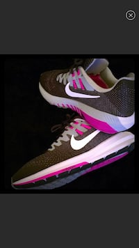 New! Nike Speckled Sneakers! Max comfort!  41 km