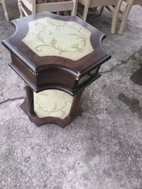Rosewood End table North Charleston, 29405