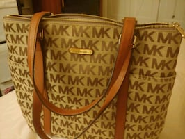 Michael Kors LG Tote Bag **Jet Set Item**