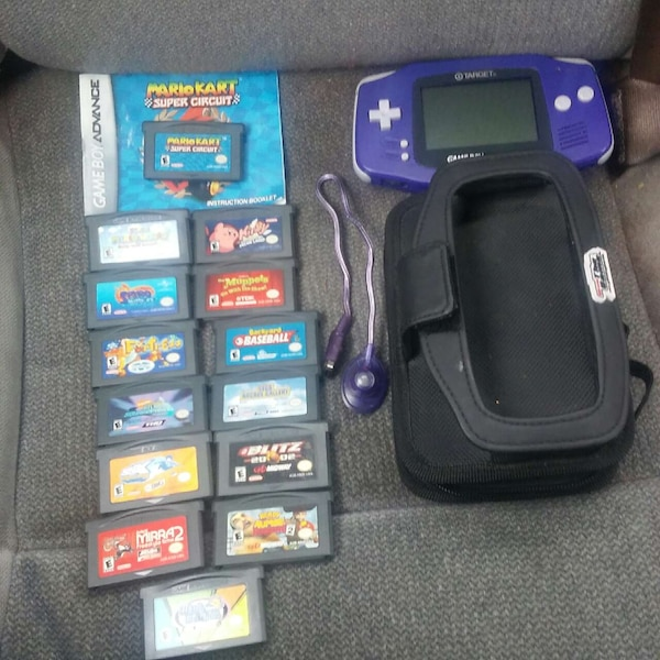Gameboy Advance with 14 games