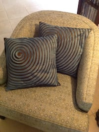 Two Decorative pillows / cushions