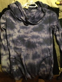 Purple and gray crew-neck shirt Red Deer, T4N