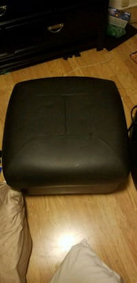 black leather padded massage bed South Brunswick Township, 08824
