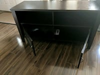 Tv stand solid wood no scratches  Surrey, V4N 4Y7