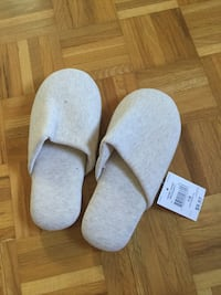 Brand New slippers size 8 Vaughan, L6A 1M9