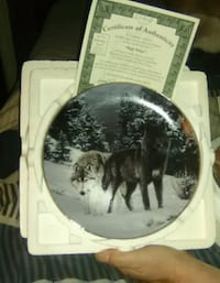 Wolf collectors plates
