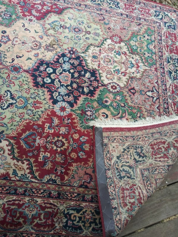 Large matching area and runner rugs 54f7fc63-c1e9-4daf-aed5-339219f5c8e8