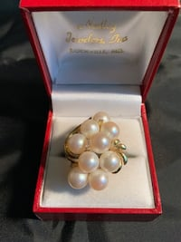 14 k Real gold pearl ring  size 7 Derwood, 20855