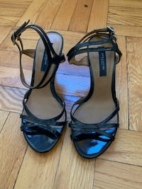 Ann Taylor Riley patent dark navy strappy sandals size: 6.5 New York