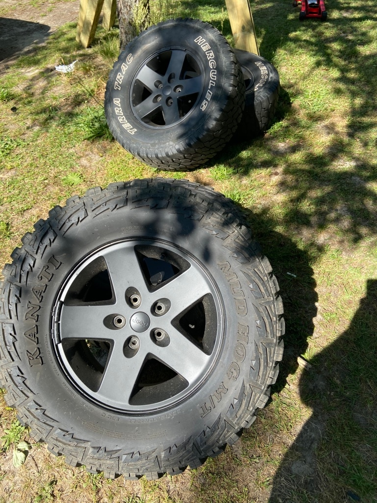 Photo 4 17 jeep jk wheels and tires sale/trade