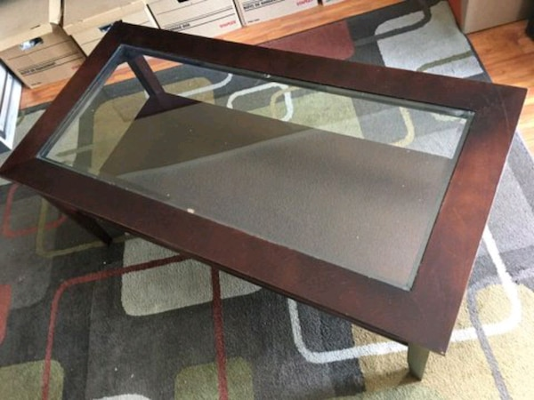 Coffee table 6f7445fc-a48a-4c81-9b94-84b20f02145a