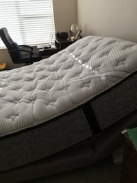 Lift Bed - Queen Size - Bought last month, used 10 days Eagan