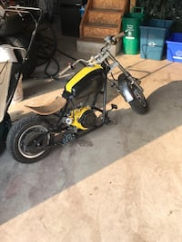 Black and yellow pocket bike Pickering, L1W 3Z8