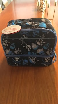 New insulated kids lunch bag wi skull print brand new wi tags Laval, H7K 0B3