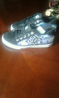 Size 1 girls DC shoes Ontario, 91762