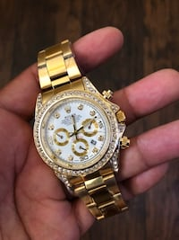 round gold-colored chronograph watch with link bracelet Salinas, 93905