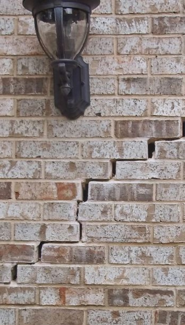 Bricks For Sale >> White And Brown Clay Bricks