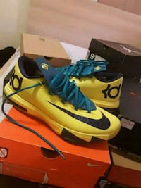 Kd6  teal and yellow.  Size 9 Palmdale, 93550