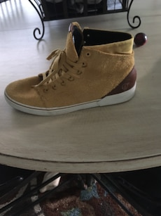 Size 8.5 Volcom Shoes
