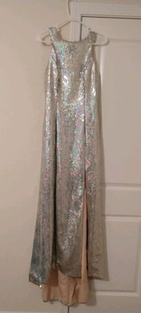 Sequin gown with train Concord, 28025