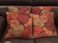 4 throw pillows Manassas, 20112