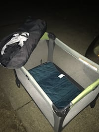 Graco pack and play set great condition only 35 Firm Glen Burnie, 21061