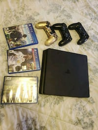 PS4 500 GBS 3 CONTROLLERS AND 3 GAMES ALL CABLES  Madera, 93637