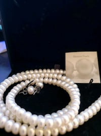 Genuine set of Pearls earings & necklace