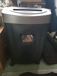 Paper, disc and credit card micro shredder.