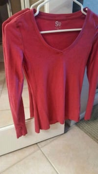 women's red v-neck sweater San Diego, 92123