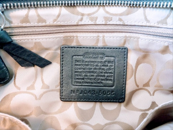 Authentic Coach Bag de345c72-f8e4-4c91-8159-8c6397081e97