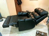 black leather 3-seat sofa Mumbai, 400022