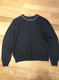 black scoop neck long sleeve shirt Montréal, H4M 2N2