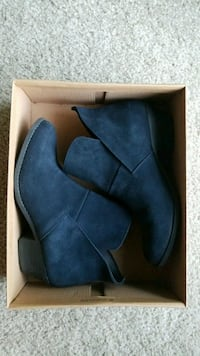 Gently Worn Ruff Hewn Booties Size 7.5 Greenfield, 53220