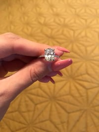 Zhedora 3 carat engagement ring ** NOT REAL DIAMONDS ** Las Vegas, 89120