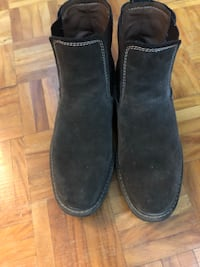 G. H. Bass & Sons Suede Chelsea Boots Sz 9 Toronto, M5A 4B5