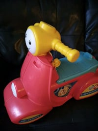 toddler's yellow and red ride on toy Trenton, 45067