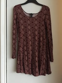 Women's xsmall size long sleeved dress Vancouver, V5T 1K9