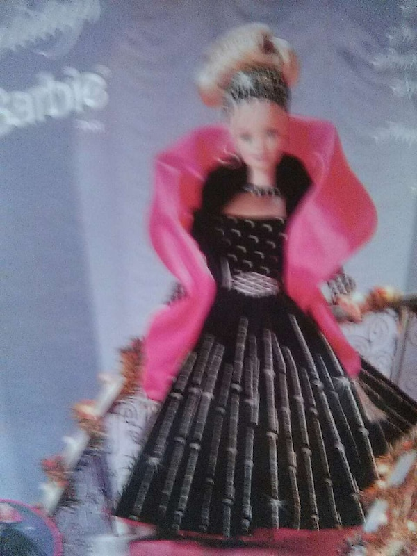1998 Holiday barbie new in box