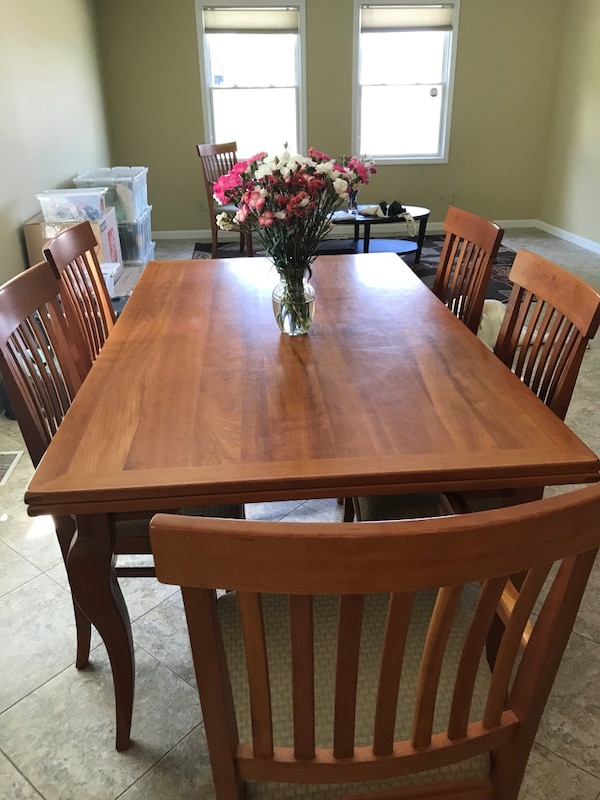 Aaurhaus Solid Cherry dining room set