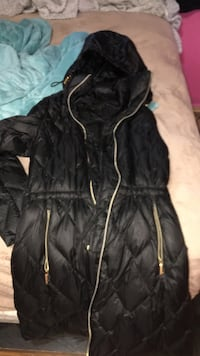 black zip-up bubble jacket Sterling Heights, 48312