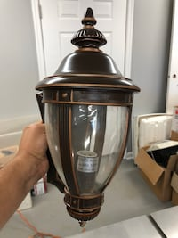 Wall lantern light fixture ONLY ONE bronze/brown Leesburg, 20175