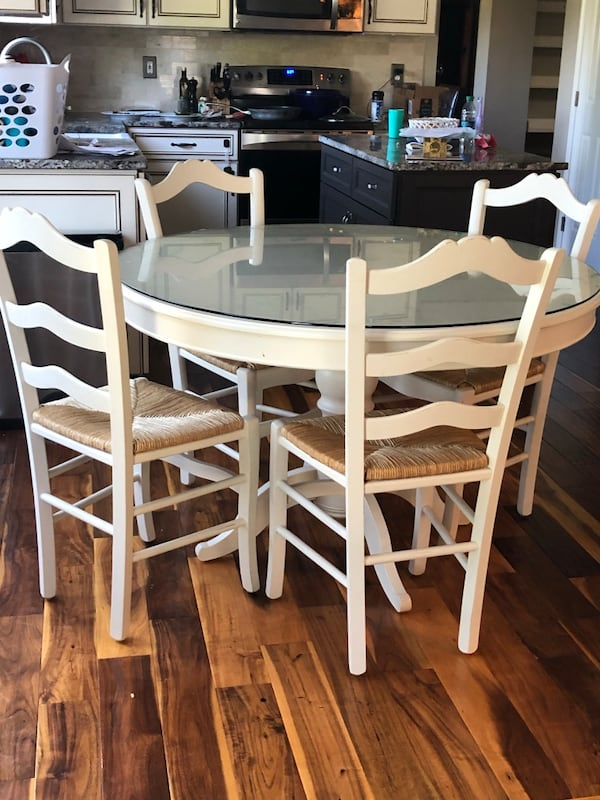 Farmhouse Kitchen Table And Chairs For