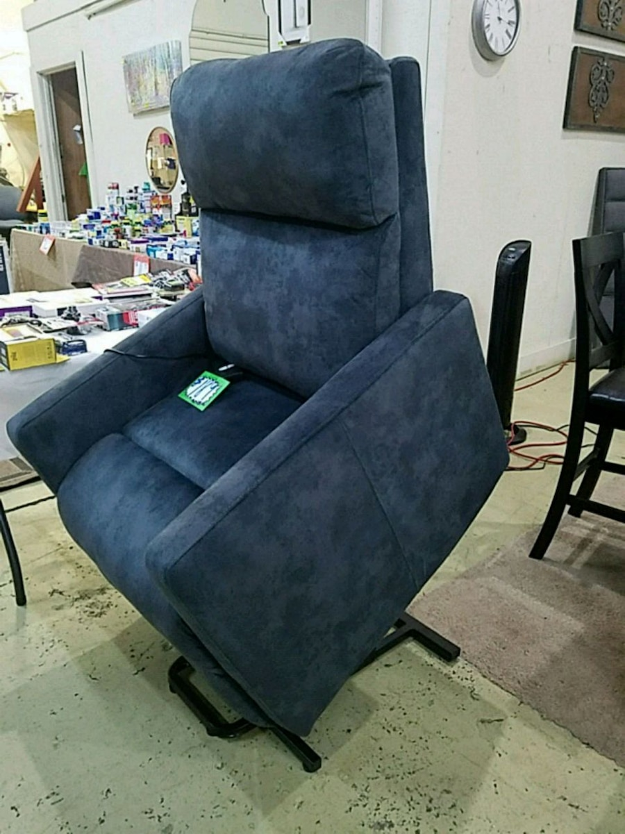 Easy lift chair & Used Easy lift chair for sale in Lithonia - letgo
