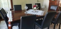 Oak Dining table and 8 chairs.