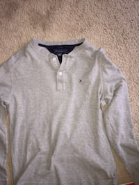Gray long sleeve tommy   Edmonton
