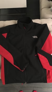 Northface apex jacket with thick inside insulation lightly used. Men's Size large Vancouver, V6P