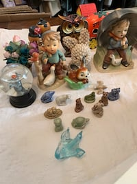 Lot of Vintage Knick Knacks, Banks